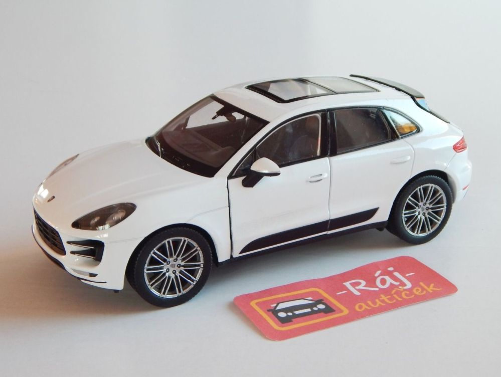 Porsche Macan Turbo 1:24 Welly