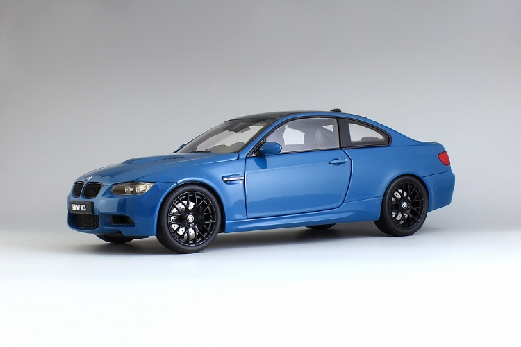 BMW M3 coupe E92 1:18 Kyosho