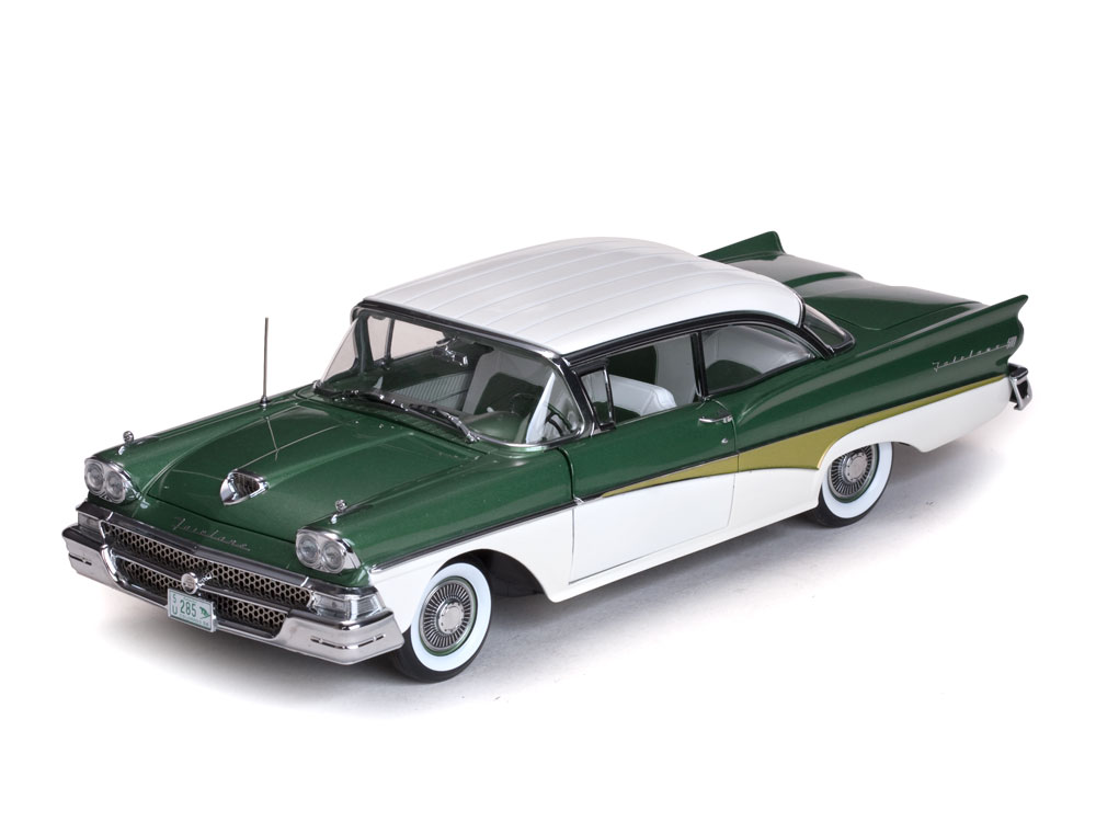 Ford Fairlane 500 HardTop 1:18 Sun Star