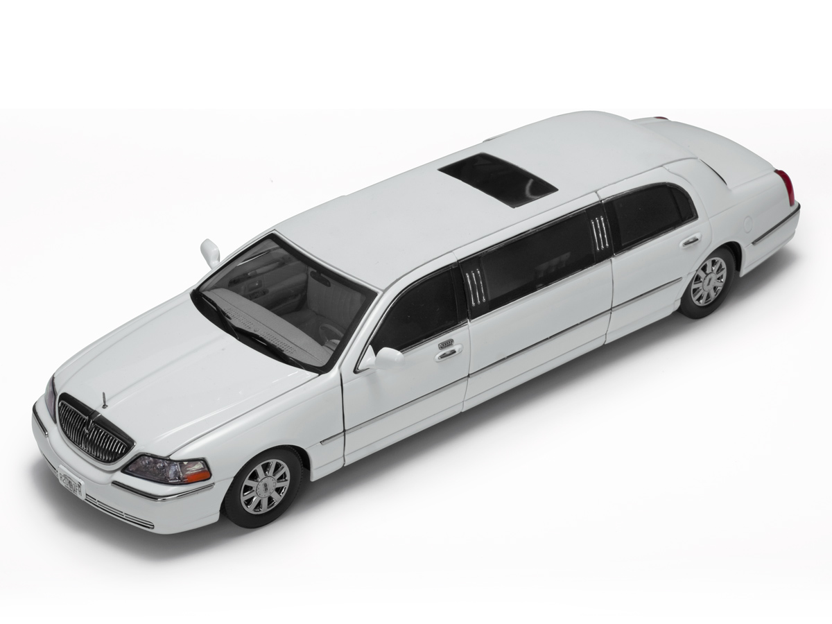 Lincoln Town Car Limousine 1:18 Sun Star