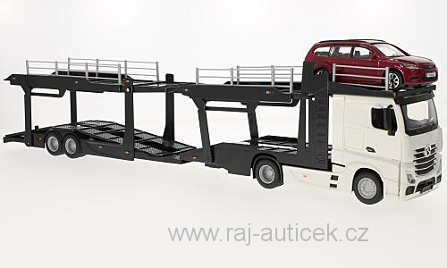 Mercedes Actros 2545 + Ford Focus Tournier 1:43 Bburago