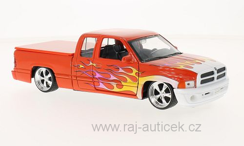 Dodge Ram Quad Cab 1500 Sport 1:24 Welly